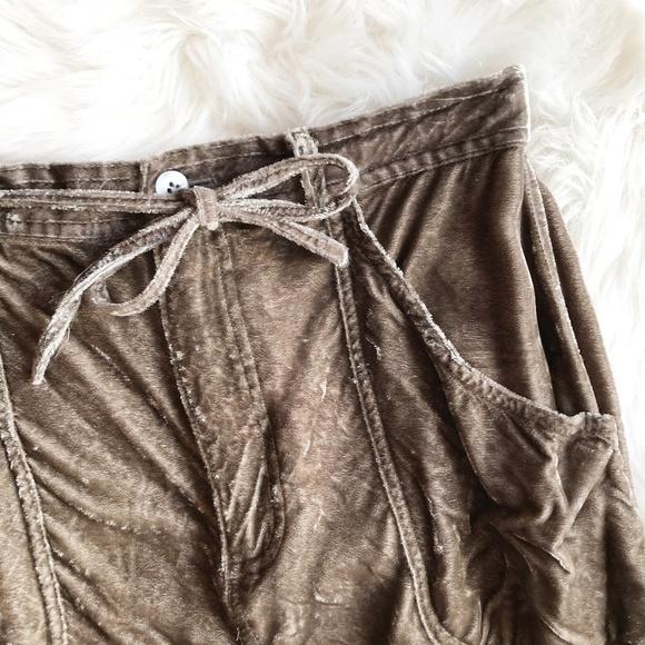 J. Jill Dresses & Skirts - J. Jill Crushed Velvet Tan Midi Skirt g869